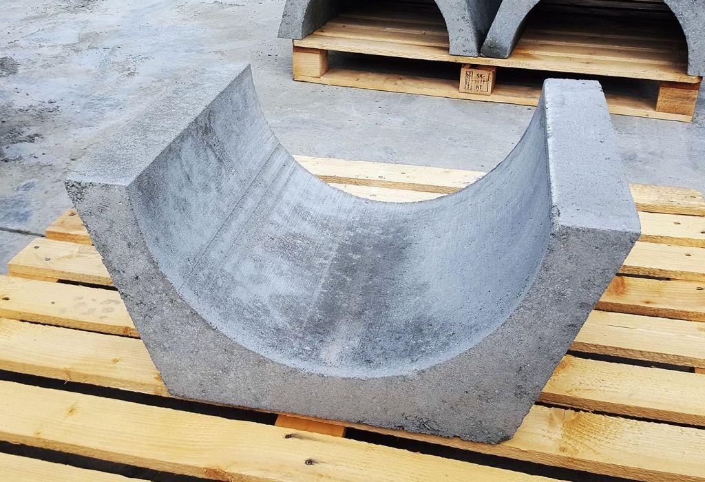 Koryto górskie betonowe 650 x 310
