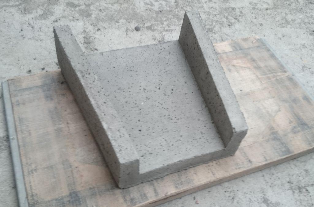 Betonowy ściek skarpowy - typ trapezowy